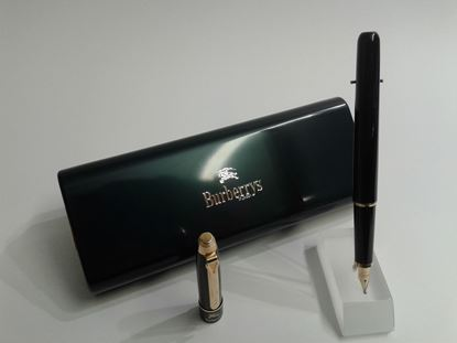 "Foto de Pluma Burberry ""Executive"" negra"